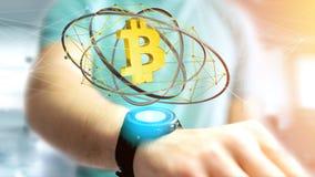Homem de negócios que guarda um voo cripto do sinal de moeda de Bitcoin ao redor Fotografia de Stock