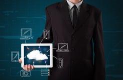Homem de negócios que mostra a computação tirada mão da nuvem imagem de stock