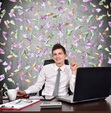 Homem de negócios que mostra o dedo acima Fotos de Stock Royalty Free