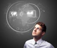 Homem de negócios que pressiona a elevação - tipo da tecnologia de botões modernos Fotos de Stock Royalty Free