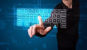 Homem de negócios que pressiona o tipo virtual de teclado ilustração stock