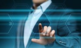 Homem de negócios que pressiona a tecla Conceito do negócio do Internet da tecnologia da inovação Espaço para o texto imagens de stock royalty free