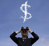 Homem de negócios que procura a fortuna Foto de Stock