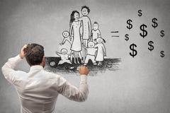 Homem de negócios que tira uma família ilustração royalty free