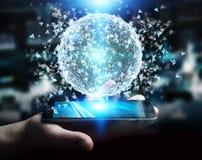 Homem de negócios que usa a esfera da rede de dados da rendição 3D com seu mobi Imagens de Stock Royalty Free