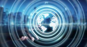 Homem de negócios que usa a relação da Web à ressaca na rendição do Internet 3D Fotografia de Stock Royalty Free