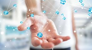 Homem de negócios que usa a rendição da conexão 3D das bolas da rede do voo Foto de Stock Royalty Free