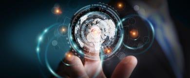 Homem de negócios que usa a tela do holograma com dados digitais Imagens de Stock