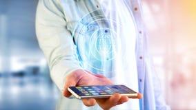 Homem de negócios que usa um smartphone com um globo technologic b do Shinny Imagens de Stock