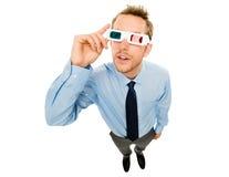 Homem de negócios que veste os vidros 3d isolados no fundo branco Imagem de Stock Royalty Free