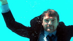 Homem de negócios Underwater vídeos de arquivo