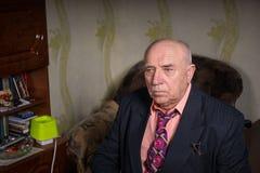 Homem de negócios velho triste Fotos de Stock Royalty Free