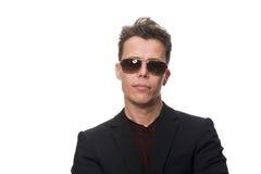Homem de negócios Wearing Sunglasses Isolated no branco fotos de stock royalty free