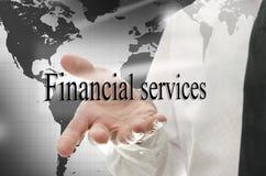 Homem de negócio que apresenta a sinal serviços financeiros Foto de Stock Royalty Free