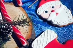 Homem de pão-de-espécie de Santa Claus Fotos de Stock Royalty Free