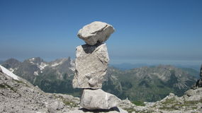 Homem de pedra nos cumes de Allgau perto de Oberstdorf, Alemanha Foto de Stock