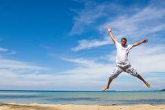 Homem de salto foto de stock royalty free