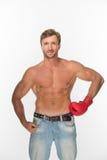 Homem descamisado com uma luva de encaixotamento sobre o branco Imagem de Stock Royalty Free