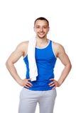 Homem desportivo feliz com posição de toalha Fotografia de Stock Royalty Free