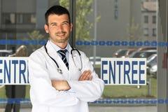 Homem do doutor de hospital Foto de Stock