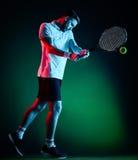 Homem do jogador de tênis isolado Fotos de Stock