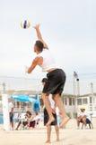Homem do jogador de voleibol da praia, homens dos jogadores Imagem de Stock