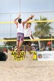 Homem do jogador de voleibol da praia, homens dos jogadores Fotografia de Stock Royalty Free