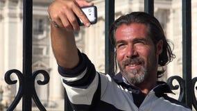 Homem do turista que toma Selfy filme