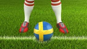 Homem e bola de futebol com bandeira sueco Foto de Stock Royalty Free