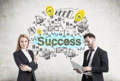 Homem e mulher com esboço do sucesso Fotos de Stock