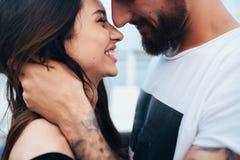 Homem e mulher que olham se Foto de Stock Royalty Free