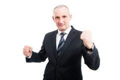 Homem elegante envelhecido seguro que levanta como o vencimento Imagens de Stock Royalty Free