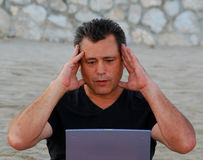 Homem em choque Fotos de Stock Royalty Free