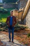 Homem em um parque, no outono Fotografia de Stock Royalty Free
