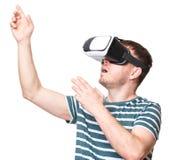 Homem em vidros de VR Imagem de Stock