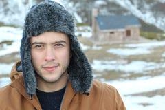 Homem Eskimo que sorri fora com espaço da cópia foto de stock