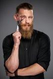 Homem farpado com fita da medida Fotografia de Stock