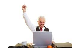 Homem feliz com computador imagens de stock royalty free