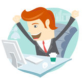 Homem feliz do escritório que senta-se em sua mesa de trabalho Fotografia de Stock Royalty Free