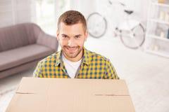 Homem gay exuberante que move-se para fora fotografia de stock