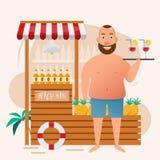 Homem gordo que guarda o vidro de cocktail na barra da praia Fotografia de Stock Royalty Free