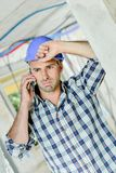Homem infeliz no local Fotos de Stock Royalty Free