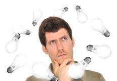 Homem inovativo que brainstorming ideias novas Fotografia de Stock
