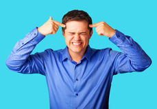 Homem irritado na camisa Imagem de Stock Royalty Free