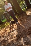 Homem irritado no parque no nascer do sol Fotos de Stock Royalty Free