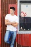 Homem latino fora Fotos de Stock Royalty Free