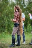 Homem louro novo com os dreadlocks longos do rasta Foto de Stock