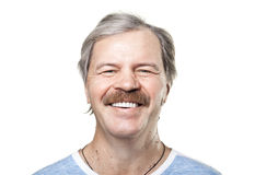 Homem maduro de riso isolado no branco fotografia de stock royalty free