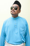 Homem malaio que veste o vestido tradicional malaio foto de stock