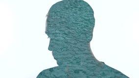 Homem misterioso e pingos de chuva da exposi??o dobro que caem na ?gua filme